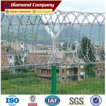 installing barbed wire fence/barbed wire fixing/drawing barbed wire/concertina barbed wire installers