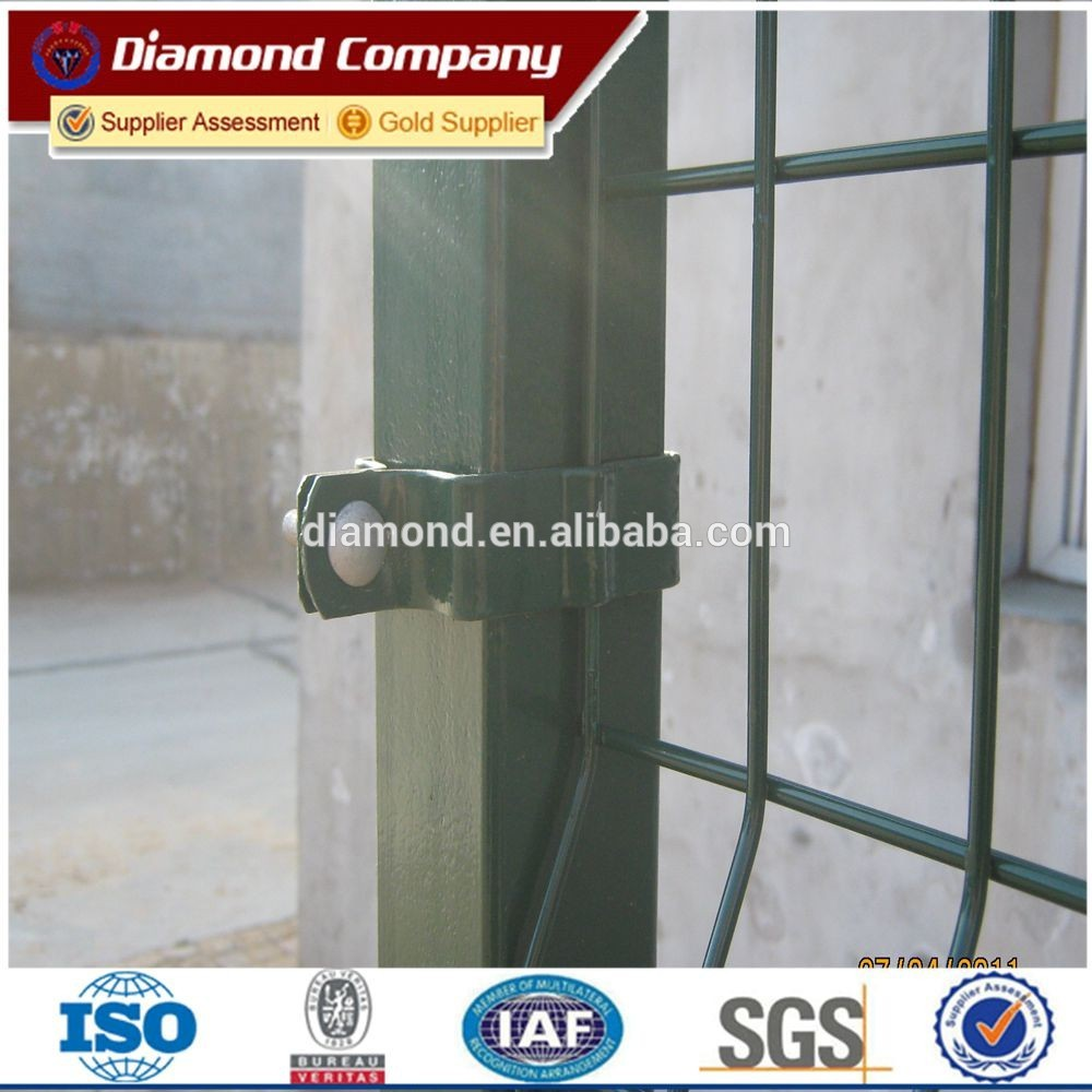 china factory supply 3d welded curved fence panel