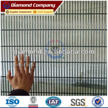 low price anti-climbe fence/ weled wire mesh fence / the manufacture of welded wire mesh fence